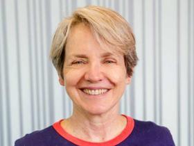 Associate Professor Linda Selvey