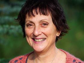 Professor Rachelle Buchbinder