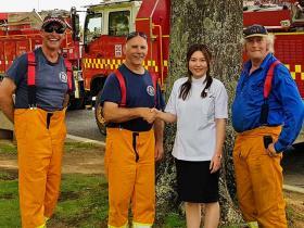 Pharmacies and customers dig deep for bushfire communities