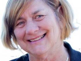 Dr Cathie Hull