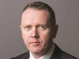 Dr Andrew Miller