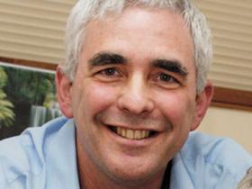 Dr Rod Pearce