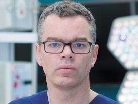 Dr Warwick Teague