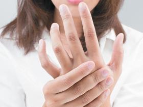 Sore finger hand