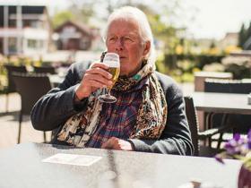 Senior_Drinking