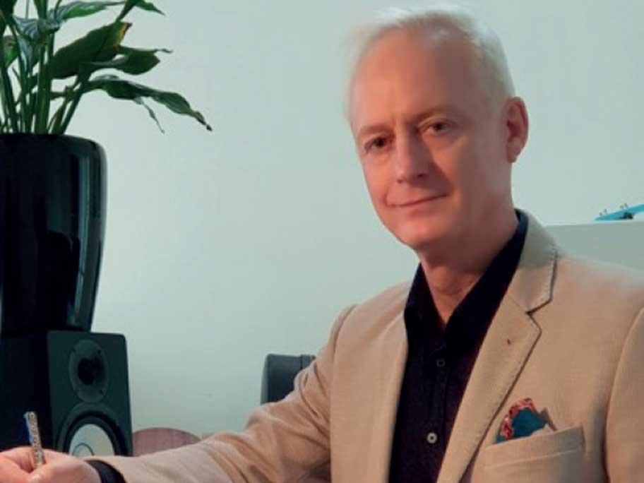 Dr Roger Hunt