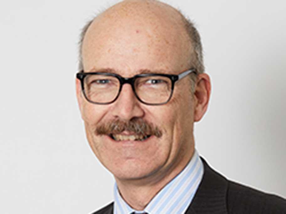 Dr Roderick McRae