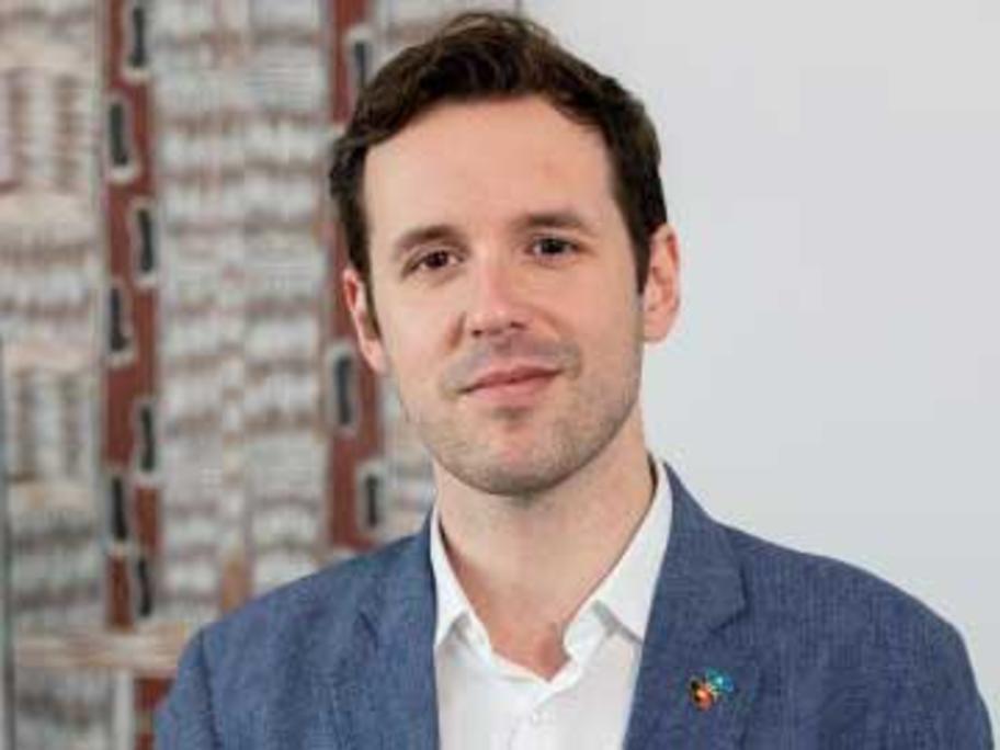 Dr Lucas De Toca