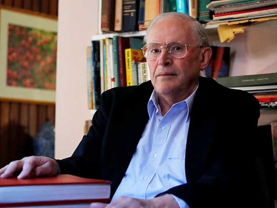 Dr John Gill