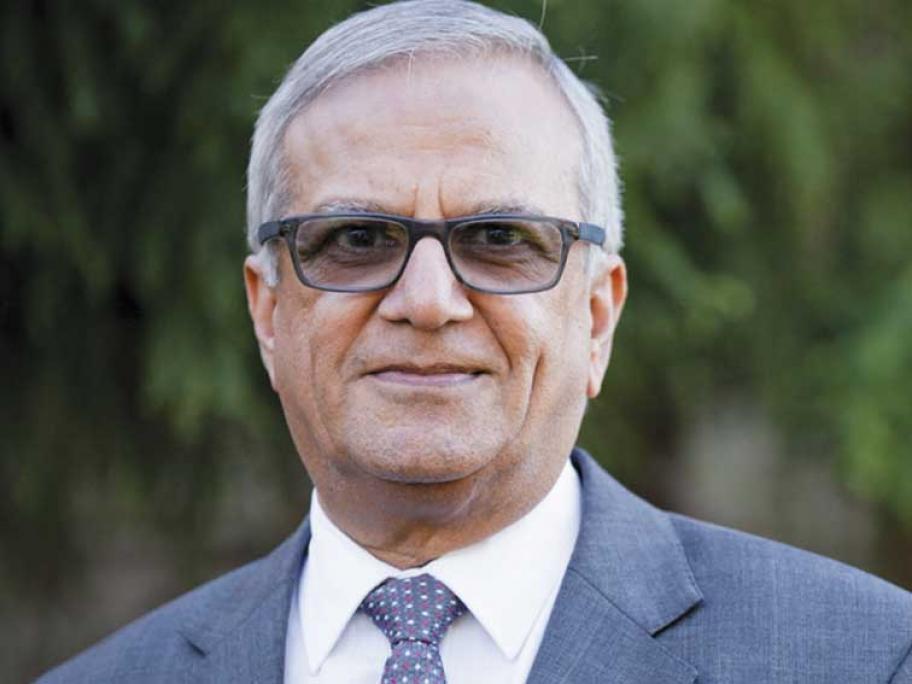 Dr Dilip