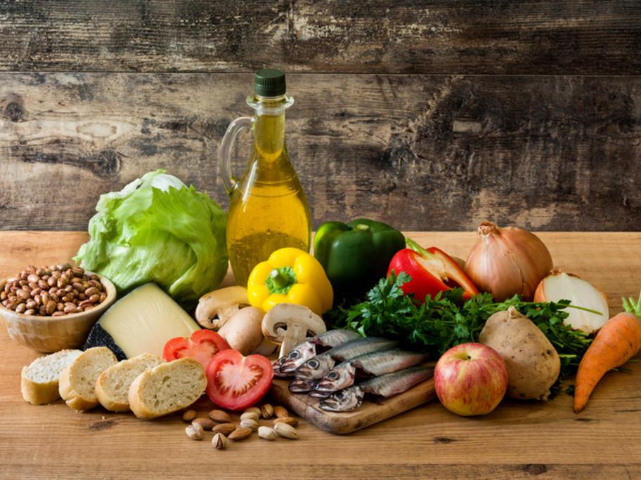 Mediterranean diet - olive oil, fresh veggies etc