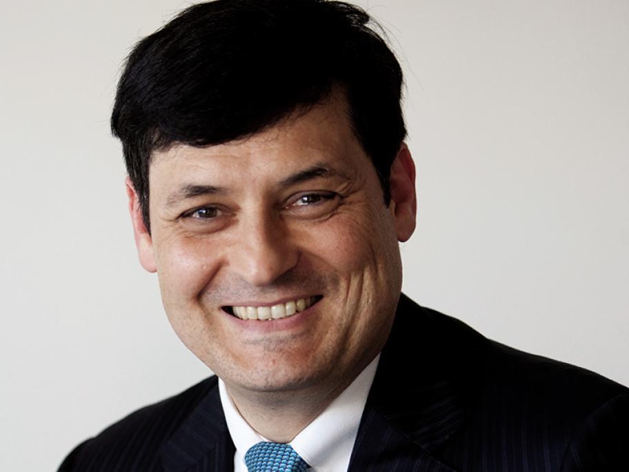 Dr Gino Pecoraro
