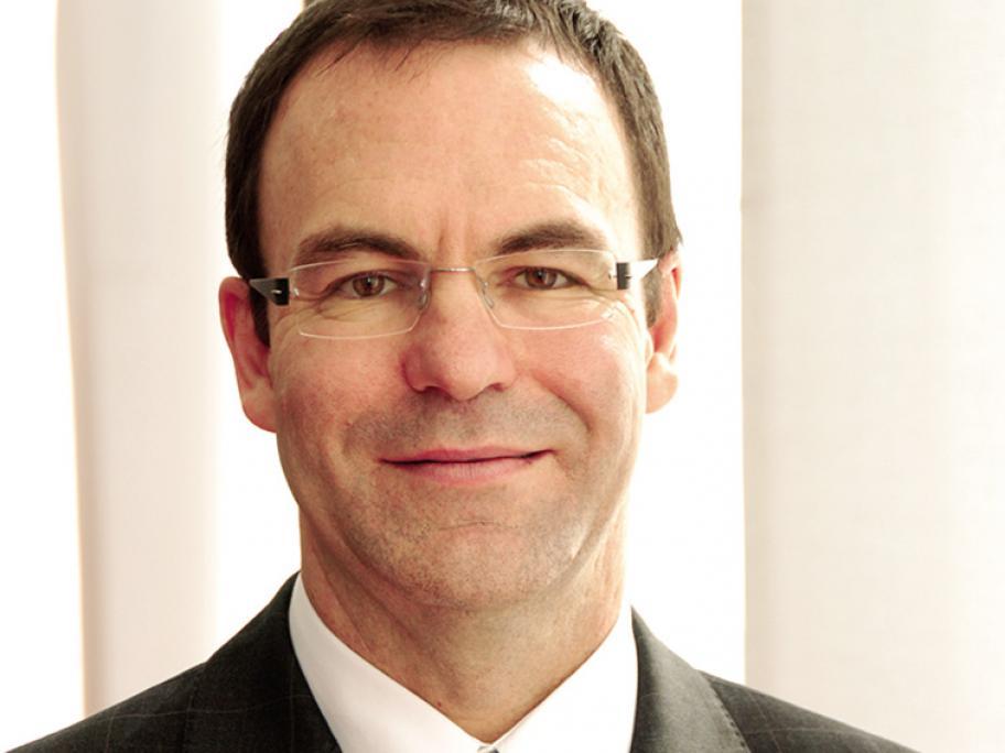 Associate Professor Stephen Shumack