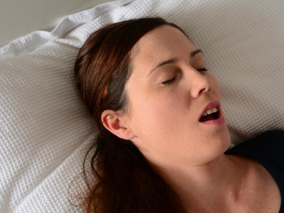 women sleep apnoea