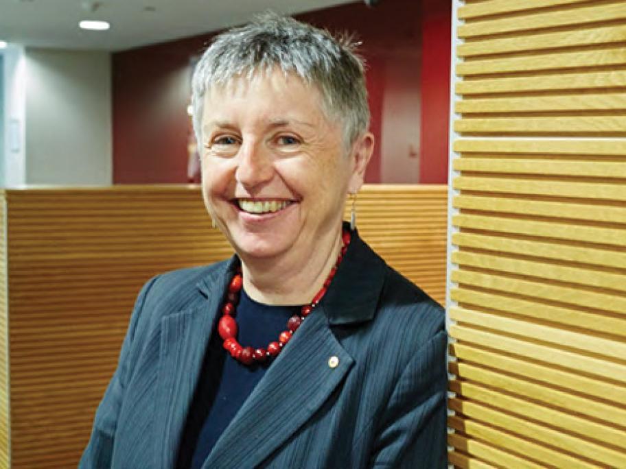 Dr Jo Flynn