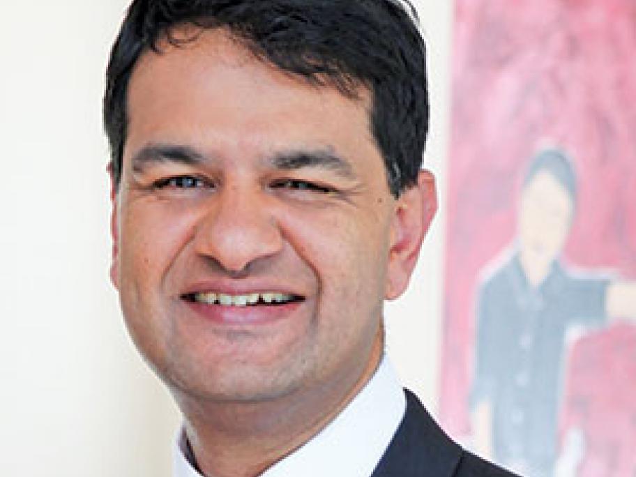 Professor Vijay Roach